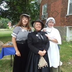 Letitia Youmans (centre aka Carlotta Rutledge) flanked by Carol King and friend.