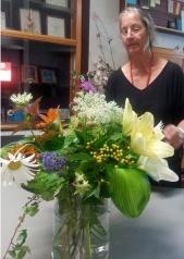 Jutta and a bouquet.