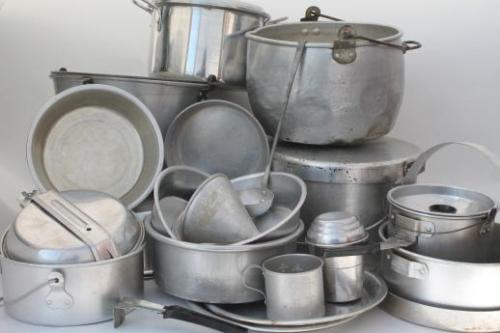 huge-lot-vintage-aluminum-pots-pans-camp-kitchen-cookware-for-camping-campfire-cooking-Laurel-Leaf-Farm-item-no-s3109-1