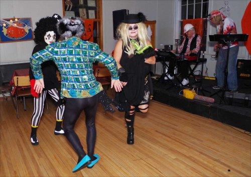 dancing_imgp4220